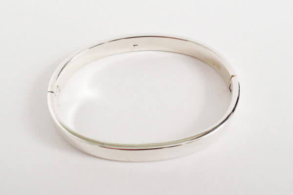 sterling silver hinged bangle oval II
