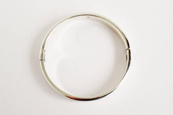 sterling silver hinged bangle round IV