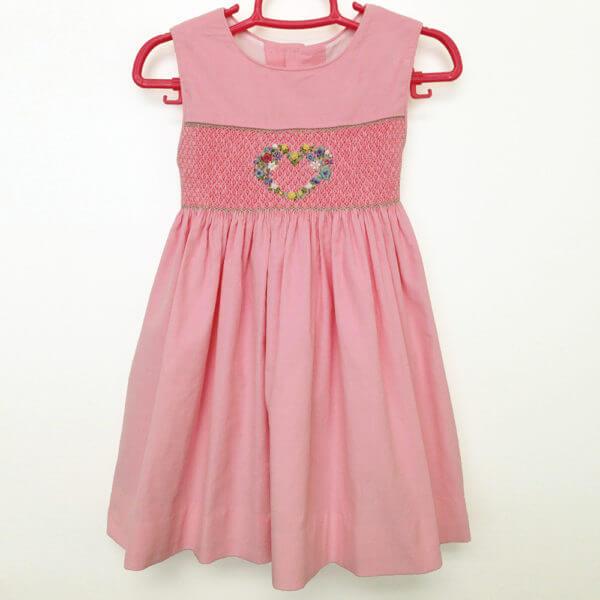 hand smocked girls' dresses
