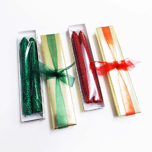 red and green beeswax candles 1000 pixels